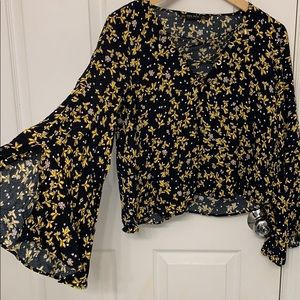Zara floral print bell sleeve cropped top size S